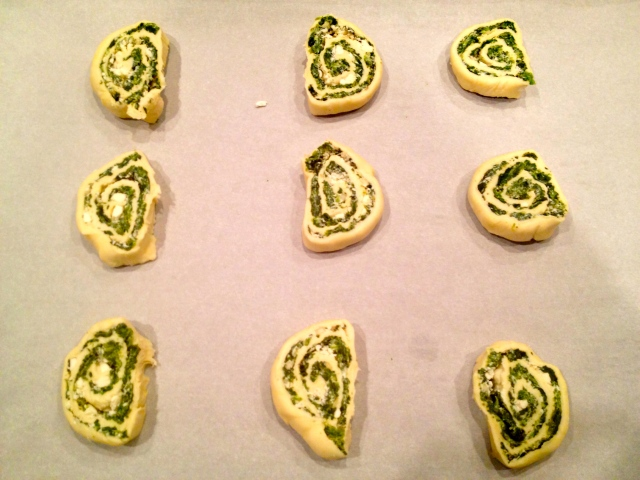 Spinach and Feta Puff Pastry Swirls