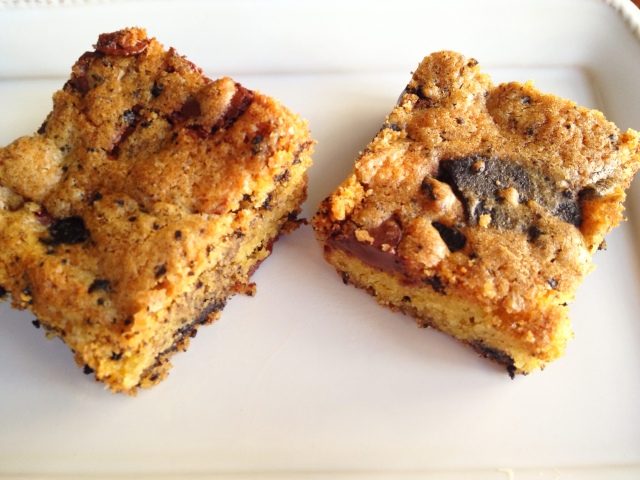 Crushed Oreo Blondies
